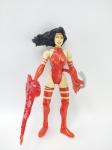 Toy Biz - Boneca Elektra da Marvel, manufatura Toy Biz, acompanha seus acessórios, medindo 13 cm de altura
