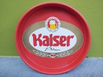Kaiser  - Antiga Bandeja Promocional Kaiser  sendo de plástico, medindo 39x39 cm, conforme fotos