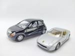 2 Miniaturas sendo Ferrari 456GT, Escala 1/39, manufatura Maisto e Outro sendo Ford Ka Manufatura Kinsmart, medindo 12 cm de comprimento