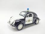 Miniatura Volkswagen Clássico Beeatle (Fusca) da Policia modelo de 1967, escala 1/32, manufatura S,