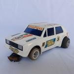 Brinquedo antigo ESTRELA - Autorama Fiat 147 na cor branca - Escala 1/32 - Funcionando (mandaremos um vídeo ao comprador se for solicitado). Mede 15cm de comprimento. Carro de coleção slot car