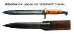 Militaria - Faca de combate americana, do período em torno da Primeira Guerra Mundial, de manufatura da afamada Remington. Peça em muito bom estado de conservação e com o couro bastante sólido. No verso do couro há a marcação de uma unidade americana, a identificar (acreditamos ser a 90º Divisão de Infantaria - US). O comprimento desta faca é de 34,5 cm, com a bainha.