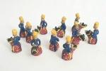 10 lindas esculturas representado cavaleiros em argila policromada, med. 7x 5x 3x