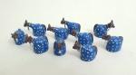 10 lindas esculturas representado bois em argila policromada,  med. 4x 4x 2x