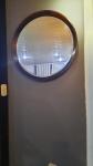SERGIO RODRIGUES - belíssimo espelho redondo com moldura confeccionada em jacarandá baiano maciço de 1960 e espelho confeccionado em cristal bisotado com diametro med 80 cm