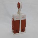 Saleiro e pimenteiro COCA COLA, reportando geladeiras antigas da marca, 19 x 9 x 4,5 cm