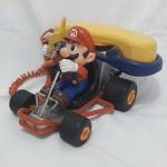 Telefone antigo - Lindo telefone temático com a figura do famoso personagem da Nintendo Super Mario em seu Kart. O volante e o raio não são originais. Mede 26cm de comprimento por 26cm de largura.