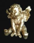 Grande anjo estilo barroco em material sintético na cor ouro. Medida 40x45cm.