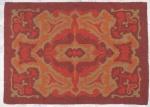TAPEÇARIA - Uma (1) tapeçaria  com predominância da tonalidade vinho. Med: 119 x 86 cm.