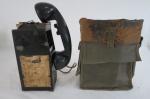 MILITARIA - Antigo telefone de campanha -  - estrututa em ferro. Apresenta marcas do tempo. Vendido no estado. Não foi testado.