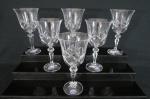 BOHEMIA  Seis taças para vinho tinto em cristal europeu translúcido, lapidação em losangos, haste facetada e base circular . Peça Selada, na caixa. Med. 18 cm alt x 9 cm diâmetro.