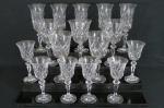 BOHEMIA  Conjunto com dezesseis (16) taças em cristal europeu translúcido, lapidação em losangos, haste facetada e base circular . Peça Selada, na caixa. Med. Cinco taças de vinho tinto 18 cm alt x 9 cm diâmetro, cinco fluts 20 x 7,5 cm e seis taças para vinho do porto 15 x 6,5 cm.