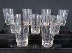 Nove (09) copos de água em cristal lapidado com ramos de trigo. Med. 11 cm alt x 7 cm diâmetro.