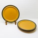 CERÂMICA - Parte de jogo para feijoada, composto de: 4 pratos rasos. Med.26,5 cm.