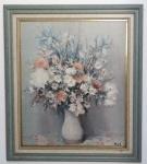QUADRO - gravura retratando vaso com flores.  Marcas de uso e marcas do tempo, no estado. Med.: 65,5 x 74 cms.