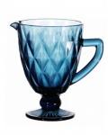 Jarra em vidro com predominância da cor azul com capacidade para 1L. Medida 15cm x 20cm