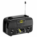 Rádio retro do BATMAN AM-FM em plástico rígido tipo baquelite, alimentado por três pilhas AA. Peça sem uso, funcionando e na caixa original.