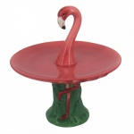 Exótico porta doces em porcelana com figura de flamingo. Medida 17 cm de diâmetro e 16 cm de altura.