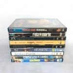 Conjunto com 9 DVDs de filmes. Exemplares originais e em excelente estado.  Poucos sinais de uso.