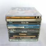 Conjunto com 11 CDS nacionais (MPB, Pop e Rock). Exemplares originais e em excelente estado.  Poucos sinais de uso.