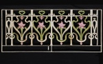 Antiga Cabeceira francesa para cama de casal executada em ferro fundido patinado e filigranado, decorado com flores e acantos cinzelados. Med: 1,58 x 1,20m (No Estado)