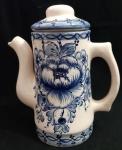 Bule com tampa em louça estilo português , pintado a mão em tom de azul - Altura:  20 cm
