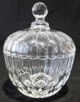 Linda bonboniére com tampa em vidro e detalhes em dedão - Diâmetro: 15 cm / Altura: 18 cm