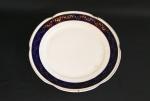 Prato de coleção em porcelana polonesa, com suporte para prender em parede,Medidas:  25cm