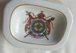 Lindo enfeite em porcelana portuguesa Vista Alegre , na caixa., lote pequeno- Medida: 10x8x4 cm