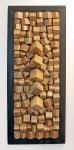 ANOS 60 - Escultura de parede em cubos de madeira de lei aplicados sobre chapa. Emoldurado.   Autor não identificado. Med. 88 x 36 cm.