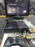 Videogame Console Microsoft XBOX 360 Super Slim,  vídeo game Bloqueado Original Lacrado nunca aberto, testado e funcionando como mostrado na imagem, acompanha 1 controle paralelo com fio funcionando perfeitamente, não acompanha fonte nem cabo HDMI, no lote está incluído apenas o videogame e o controle, ambos funcionando perfeitamente.