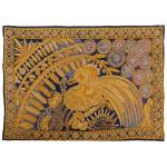 CONCESSA COLAÇO - Tapeçaria de formato retangular com fio de ouro representando Galo. Assinada. 85 x 123 cm.