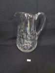 Jarra Agua / Suco em Cristal Lapidada com Folhas. Medida: 23 cm altura x 11 cm x 9 cm