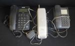 Lote com 3 aparelhos telefônicos sendo um sem fio, não testado, no estado, sem garantia.