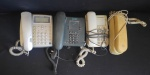 Lote com 4 aparelhos telefônicos sendo um sem fio, não testados,  no estado, sem garantia.