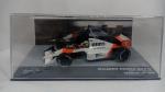 Ayrton Senna - McLaren Honda MP4/5 - GP da Alemanha da Fórmula 1 F1 temporada de 1989 - Carro de coleção em miniatura diecast com partes em plástico injetado. Fabricado pela Eaglemoss na escala 1/43. Lacrado, não acompanha fascículo