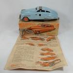 Schuco Toys - Brinquedo antigo Schuco FEX 1111 - Fabricado na Zona ocupada pelos Estados Unidos na Alemanha no fim da segunda guerra mundial (fim da década de 40 e começo da década de 50). Com a caixa original (alguns desgastes) o brinquedo mede aproximadamente 15cm de comprimento. Tem um manual de época.