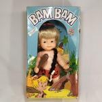 BRINQUEDO ANTIGO - BONECO do BAM BAM fabricado pelos Brinquedos Estrela na década de 80, completo e na Caixa Original com desgastes em razão do tempo. A caixa mede aprox. 35 x 20 x 9,5 centímetros. A ÚLTIMA FOTO É APENAS ILUSTRATIVA E NÃO ACOMPANHA O BRINQUEDO.