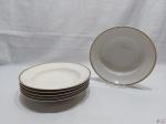 Jogo de 6 pratos fundos em porcelana Tcheca Thun, friso ouro. Medindo 24,5cm de diâmetro.