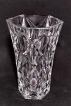 Pequeno jarro em cristal lapidado em formato sextavado